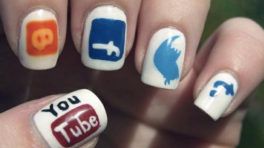 social-media-nail